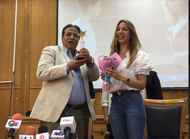 خالد عليش وهند رضا في ضيافة آداب عين شمس